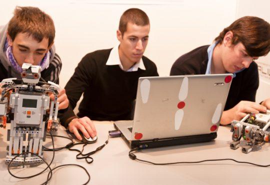 Zero Robotics Competition - chi vincerà la sfida dei robot?